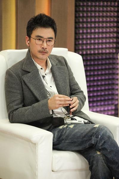 柳云龙综艺首秀《声临其境》搞怪 被谍战剧耽误的段子手